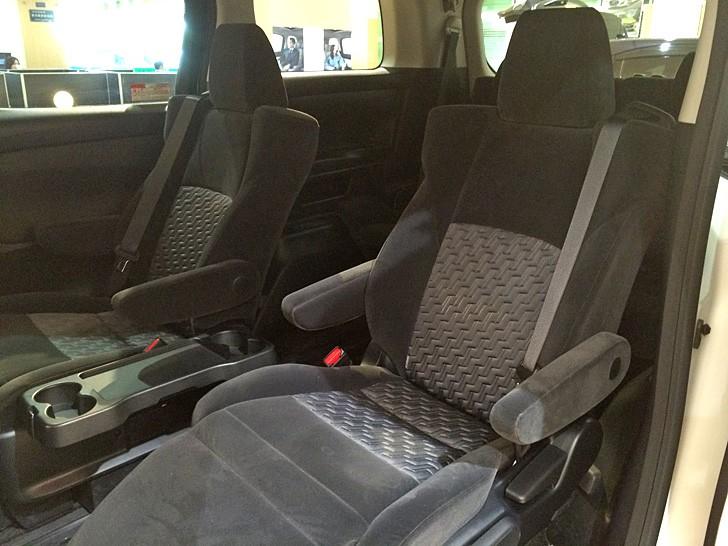 alphard-2nd-seat-1