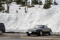 志賀草津道路 ~国道最高点の渋峠と、マイカーで行けるプチ雪の大壁~